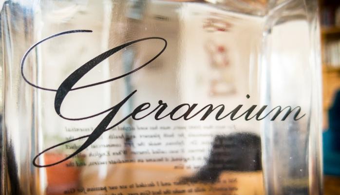 Geranium Gin label