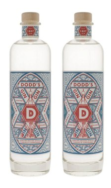 2 x Dodd's Gin. Photo by The London Distillery Company.