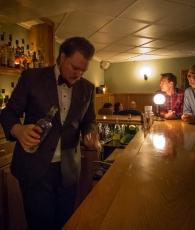 Cocktail session på Ourselves Alone