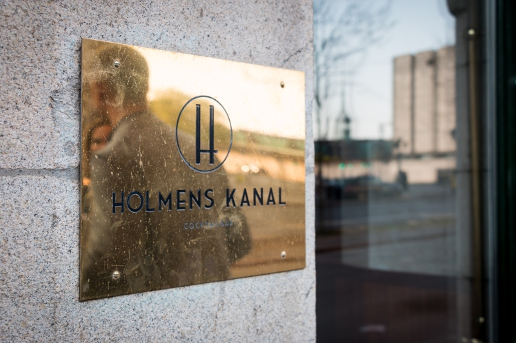 Holmens Kanal sign. Photo by Michael Sperling.