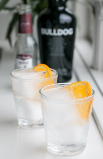 Peter Spanton Beverage No. 4 Chocolate og Bulldog Gin. Photo by Michael Sperling.