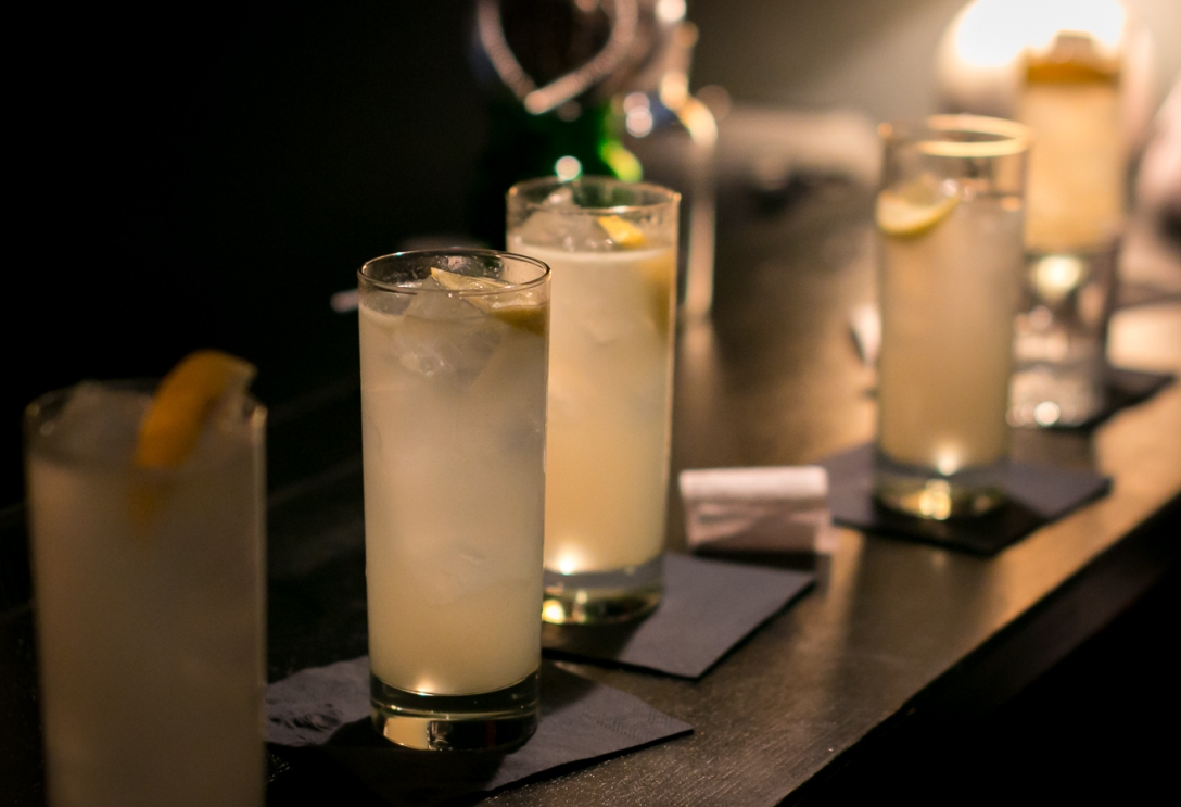 Tom Collins med Tanqueray Old Tom Gin. Photo by Michael Sperling.