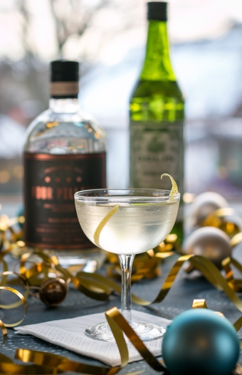 The Millionaire's Martini med Four Pillars Rare Dry Gin. Photo by Michael Sperling.