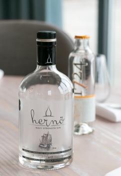 Hernö Navy Strength Gin og 1724 Tonic Water på Verandah. Photo by Michael Sperling.