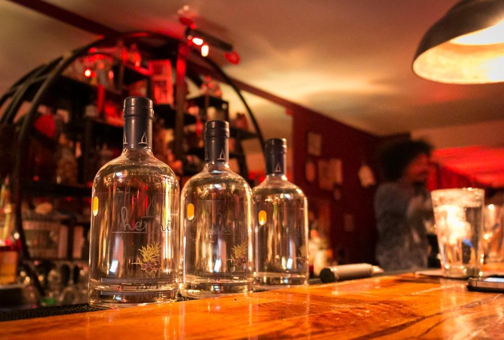 Hernö Swedish Excellence Gin på Madam Chu's i Gammel Strand. Photo by Michael Sperling.