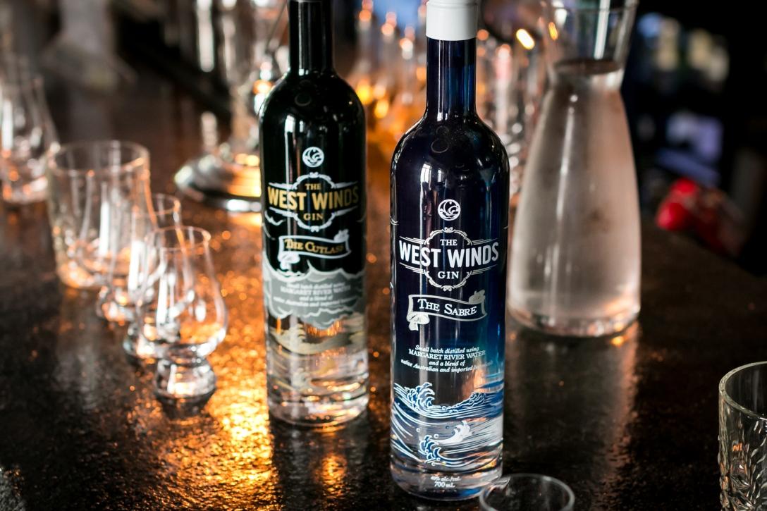 The Sabre og The Cutlass fra The West Winds Gin. Photo by Michael Sperling, En Verden af Gin.