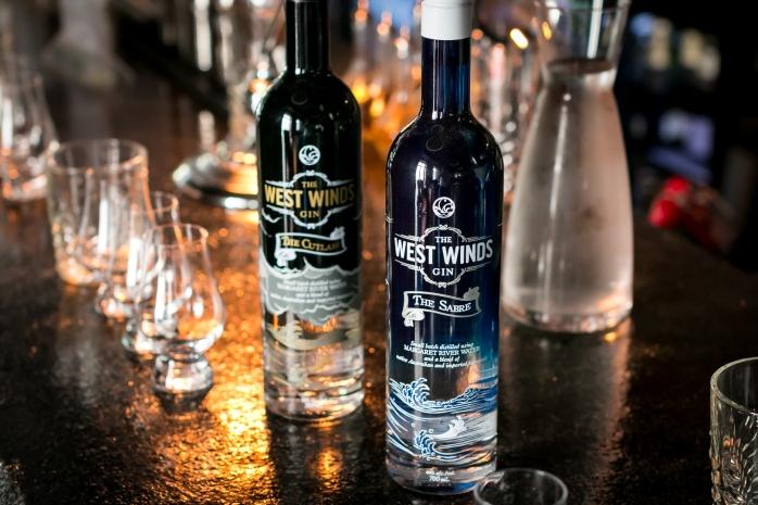 The Sabre og The Cutlass fra The West Winds Gin. Photo by Michael Sperling, En Verden af Gin.