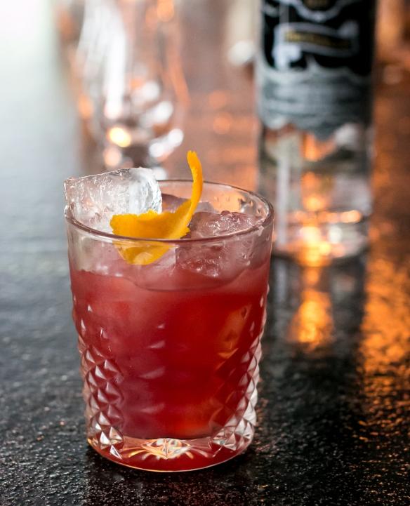 Negroni med The Cutlass på Bar25. Photo by Michael Sperling, En Verden af Gin.