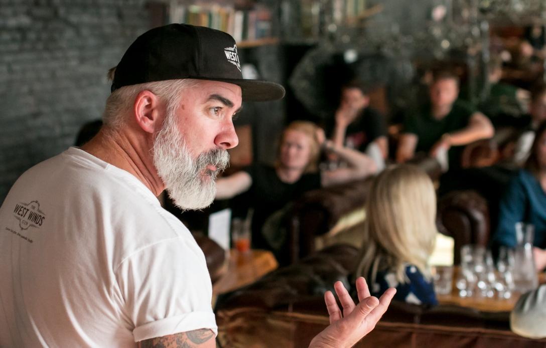 Jeremy Spencer fra The West Winds Gin på Bar25. Photo by Michael Sperling, En Verden af Gin.
