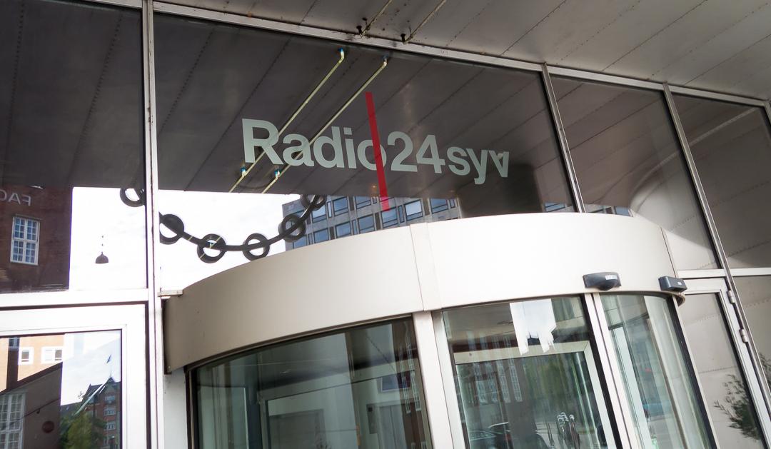 Radio24syv. Photo by Michael Sperling, En Verden af Gin.