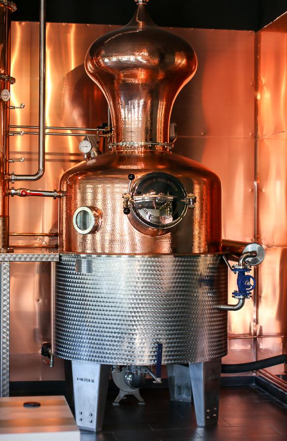 Hernö Gins nye 1000-liter destillator Marit. Hernö Distiilery. Photo by Michael Sperling, En Verden af Gin.