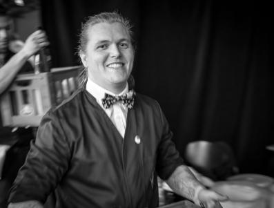 En glad Ulrich Deleuran Steffensen efter præstationen på scenen. Photo by Michael Sperling.
