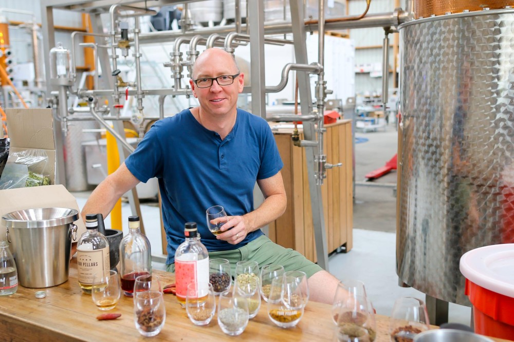 Master Distiller hos Four Pillars Distillery, Cameron MacKenzie. Photo by Michael Sperling.
