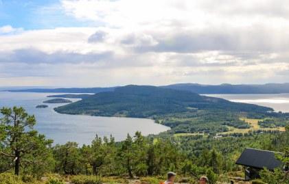 Hoga Kusten set fra toppen af Skuleberget. Photo by Michael Sperling.