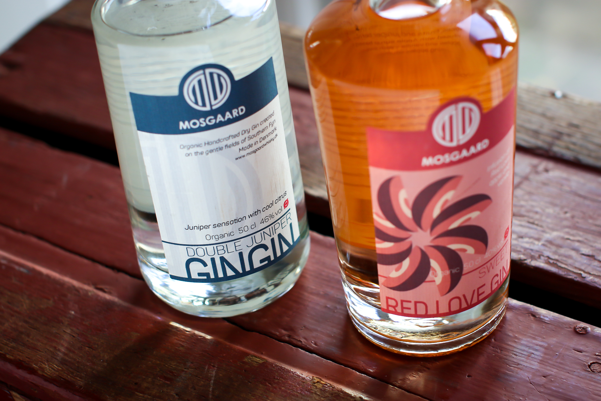 Mosgaard Red Love Gin og Mosgaard GinGin. Photo by Michael Sperling.