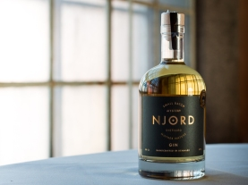 Njord Gin Barrel Aged (2 års lagring). Photo by Michael Sperling.