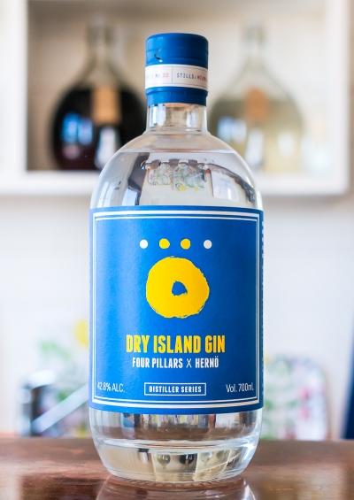 Dry Island Gin. Four Pillars Gin og Hernö Gin. Photo by Michael Sperling.