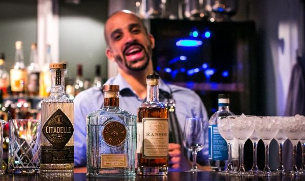 Aftenens line-up af gin. Citadelle Réserve, Brooklyn Gin og Ransom Old Tom Gin. Photo by Michael Sperling.