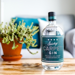 Anmeldelse: Four Pillars Sticky Carpet Gin