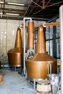 Whisky-destillatorne hos Archie Rose Distilling Company. Photo by Michael Sperling.