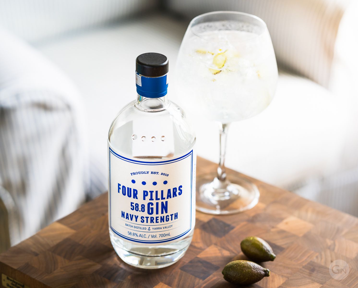 Four Pillars Navy Strength Gin med Fever-Tree Mediterranean Tonic og fingerlimes. Photo by Michael Sperling.