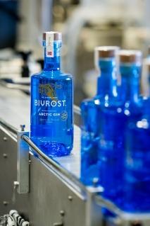 Bivrost Arctic Gin klar til afsending. Photo by Michael Sperling.