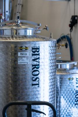 Bivrost Arctic Gin hos Aurora Spirits. Photo by Michael Sperling.